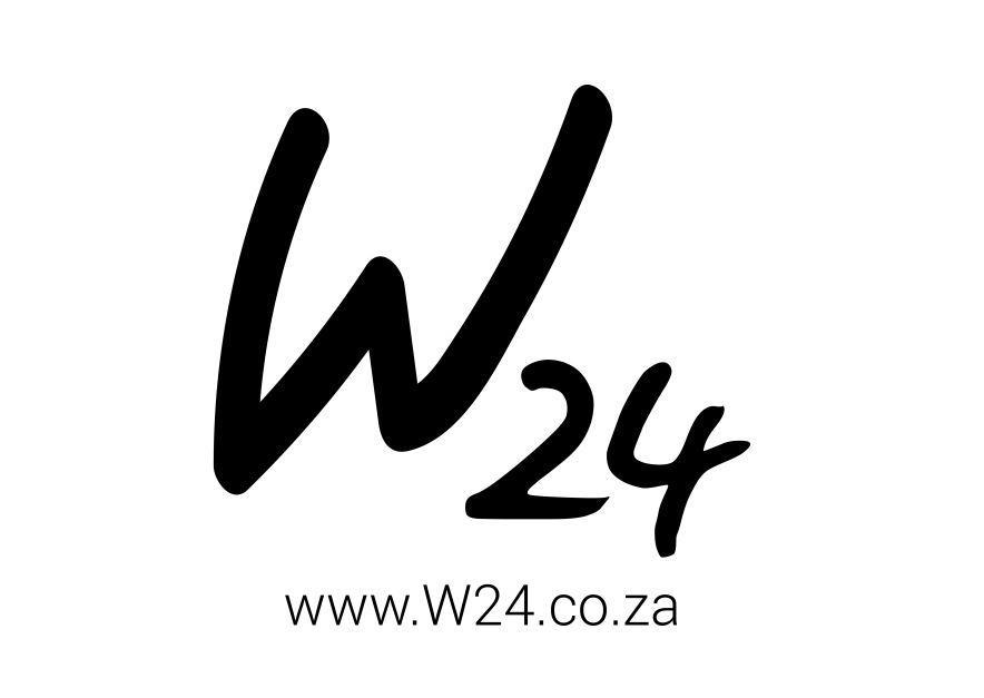 Suki Suki Naturals W24 logo